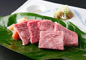 飛騨牛陶板焼一口ステーキ(150g)